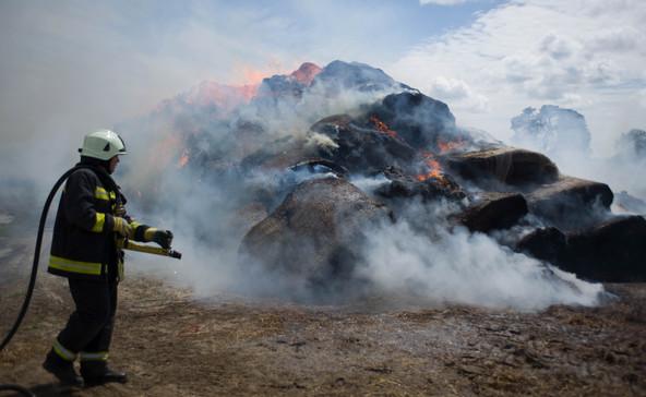Támogatás a környékbeli önkéntes tűzoltóknak